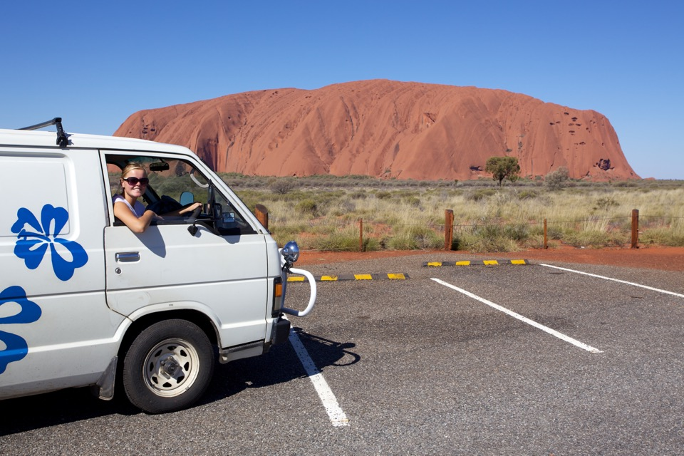 ayers-rock-and-van960px