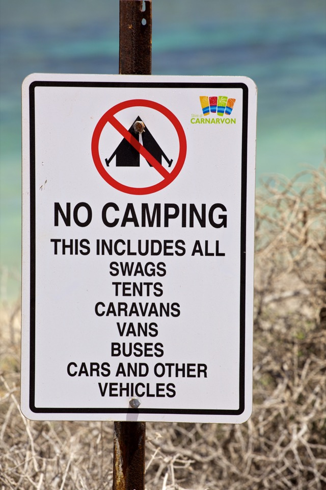 no-camping-sign960px