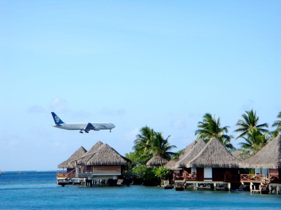 Airplane Landing In Papeete Tahiti