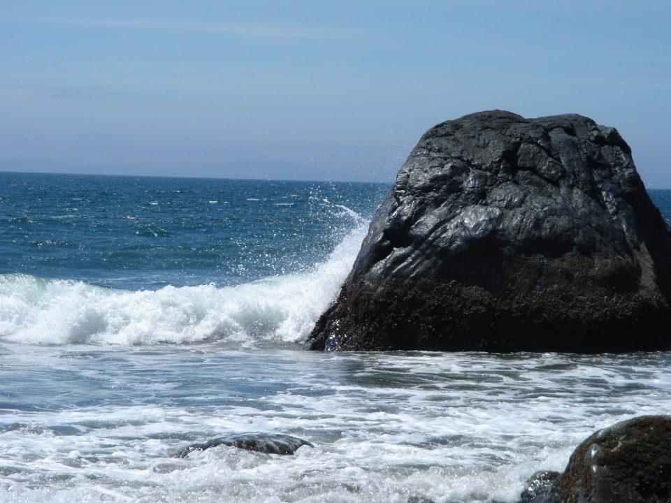 crashing waves over a slanted horizon