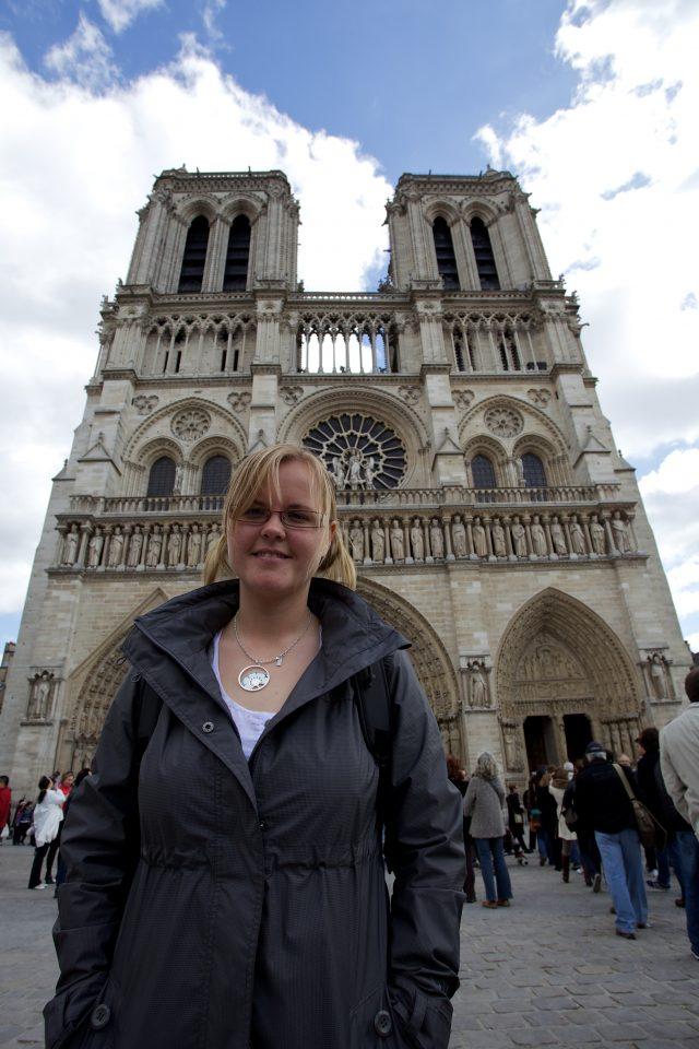 Dorothy at Cathédrale Notre Dame