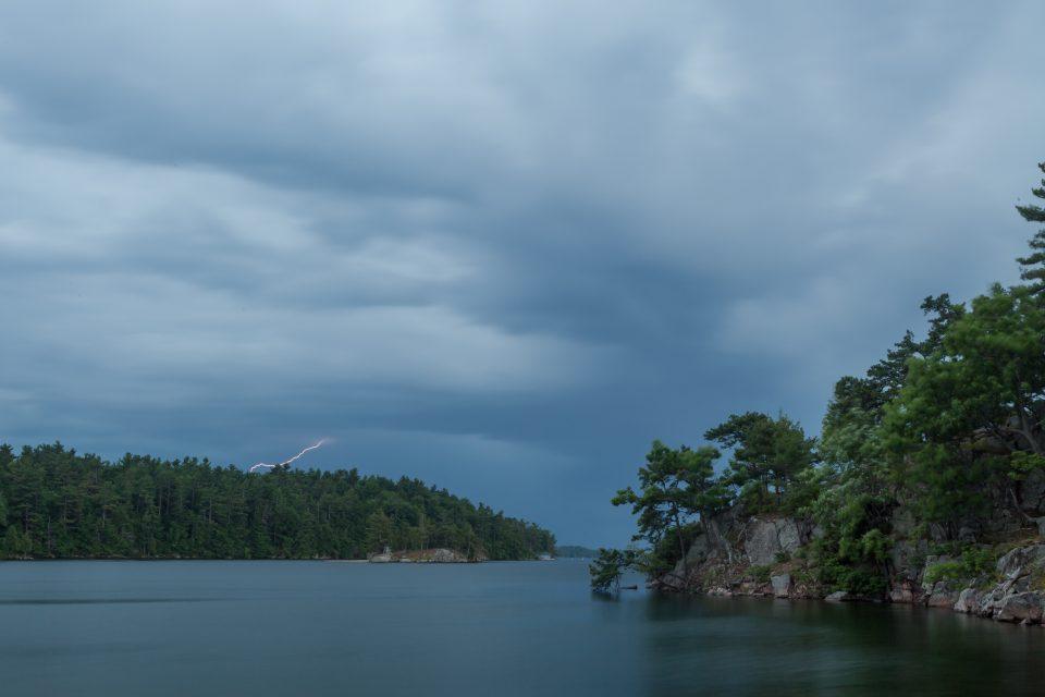 Lightning 1000 Islands