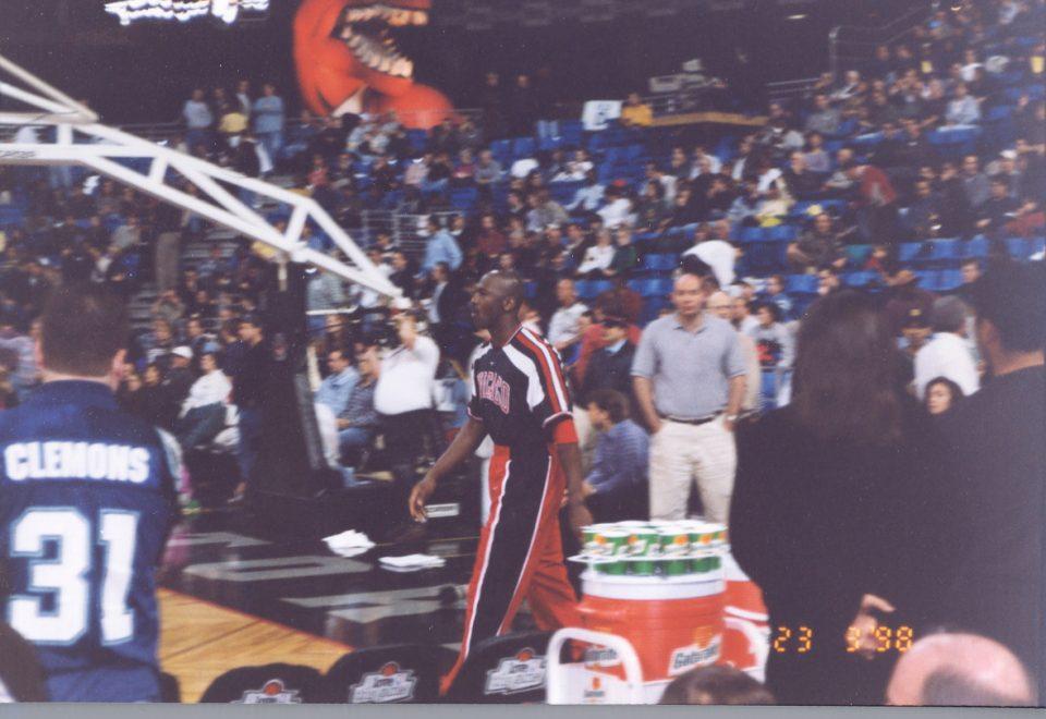 Michael Jordon vs Toronto Raptors