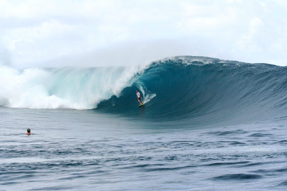 Surfing Teahupoo